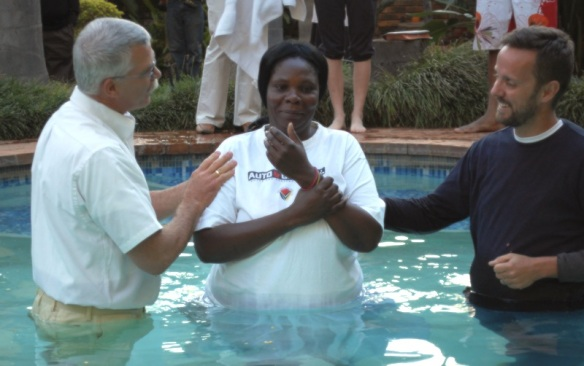 Linda being baptized and born into new life in Christ!